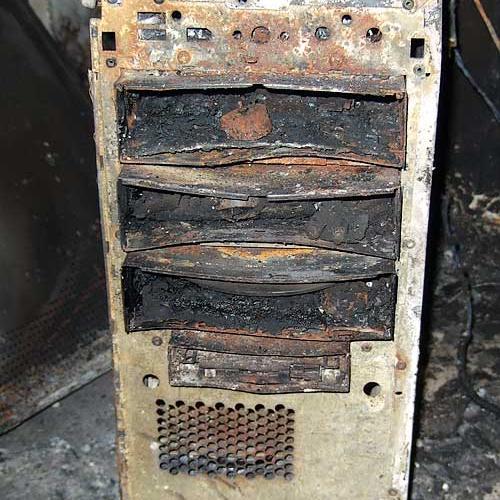 632-ausgebrannter-computer